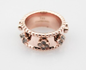 Van Cleef & Arpels Diamond Clover in pink gold Rings