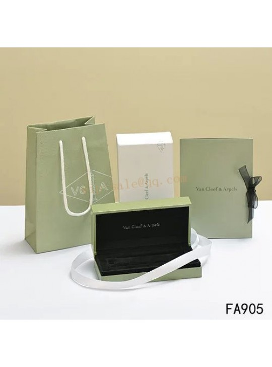 Van Cleef & Arpels Shopping Bag, Certificate, Necklace Box