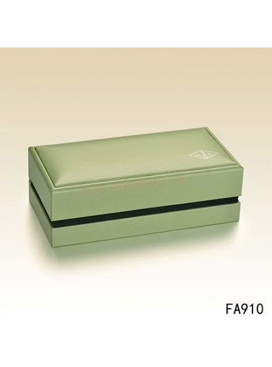 Van Cleef & Arpels Necklace Box wholesale