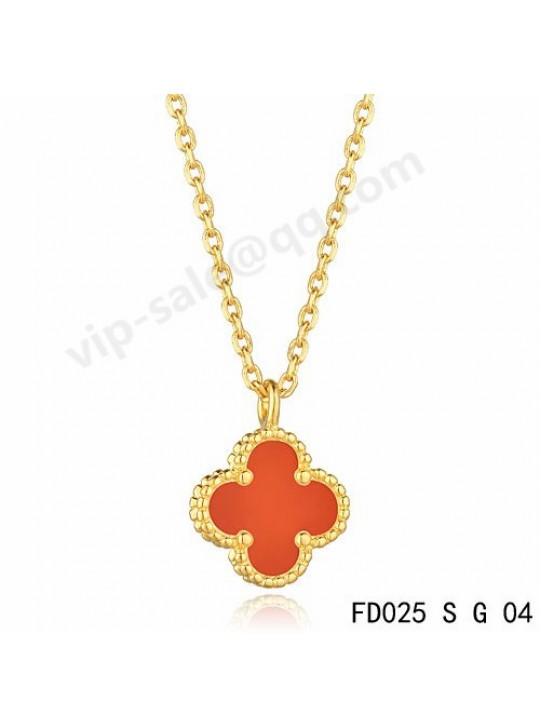 Van cleef & arpels Vintage Alhambra pendant in yellow gold with coral