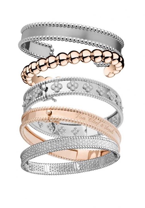 Replica Van Cleef Arpels Perlee Pendant Necklace Bracelet Ring On