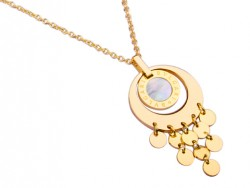Bvlgari Pendant with a Chain in 18kt Yellow Gold with Mother of Pearl