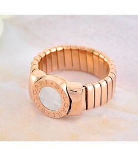 bvlgari tubogas ring in 18kt pink gold with mother of pearl