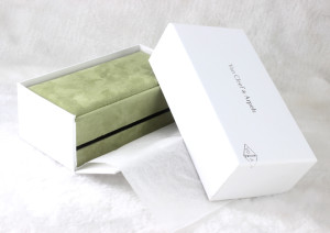 van cleef & arpels box replica sale for you