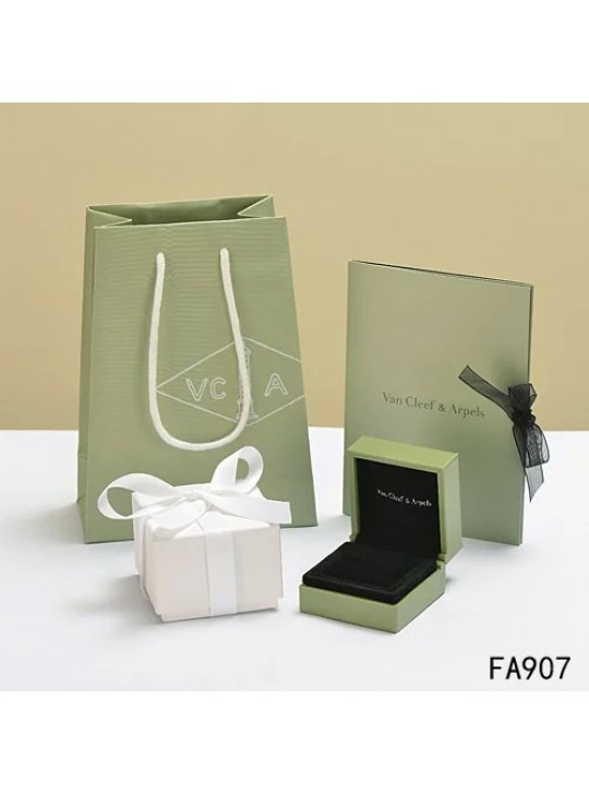 Van Cleef & Arpels Original Rings Box