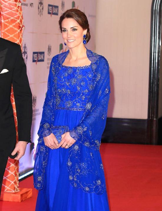 Kate Middletons with Van Cleef replica earrings