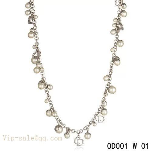 9806008f31 White Pearls