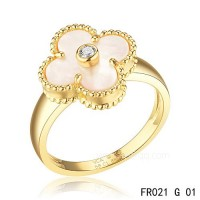 Fake Van Cleef Vintage Alhambra ring<li>In yellow gold with white mother-of-pearl