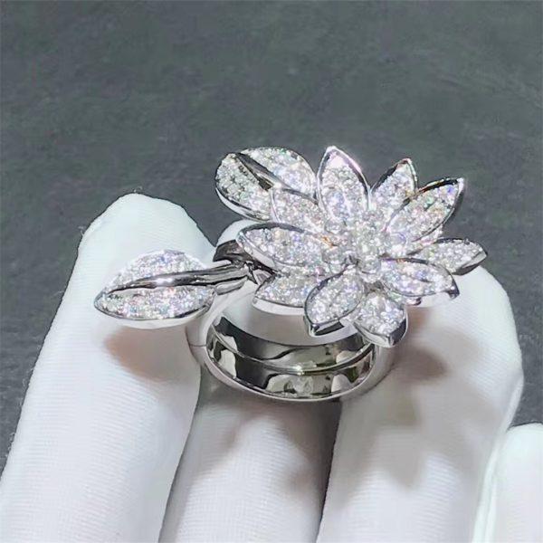 Lotus Between the Finger Ring