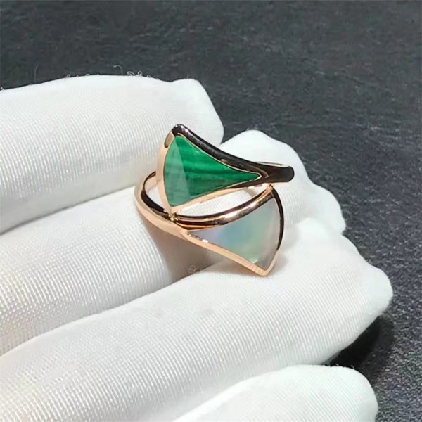 Bvlgari DIVAS' DREAM contraire ring in 18 kt rose gold, set with mother-of-pearl and malachite