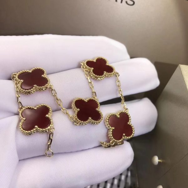 VCA Vintage Alhambra Bracelet Yellow gold, Carnelian