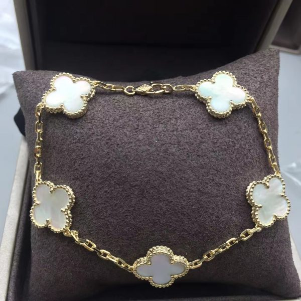 Van Cleef & Arpels Vintage Alhambra bracelet