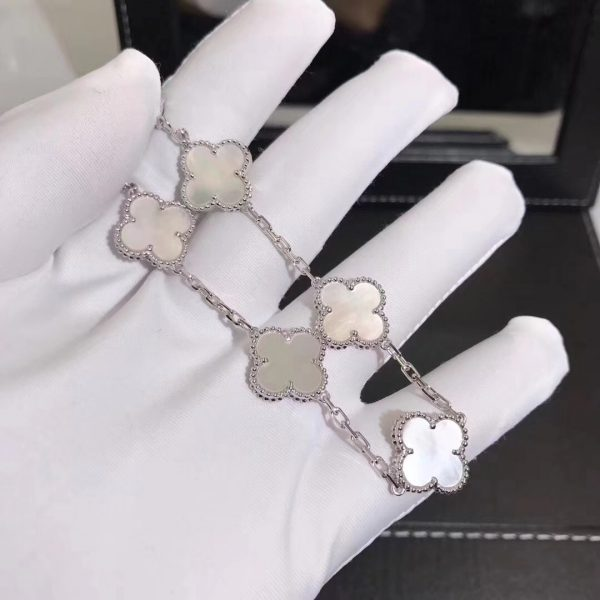 Van Cleef & Arpels Vintage Alhambra bracelet, 5 motifs, white gold, white mother-of-pearl.