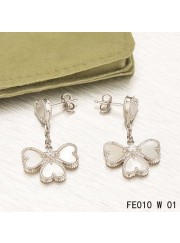 Sweet Alhambra Effeuillage Earclips White Gold 4 White Mother-of-pearl