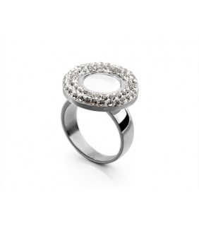 Bvlgari Ring in 18kt 18kt White Gold with Mother of Pearl & Pave