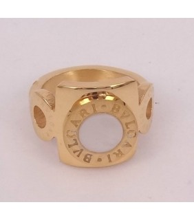 Bvlgari Ring in 18kt Yellow Gold with Mother of Pearl
