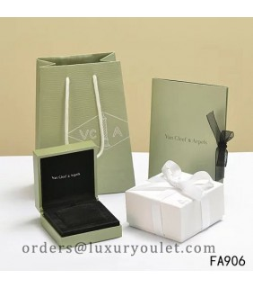 Original Van Cleef & Arpels Necklace Box