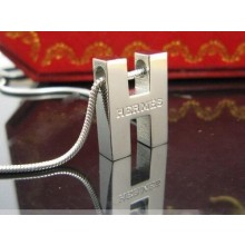 Classic Hermes Logo Necklace with White Gold